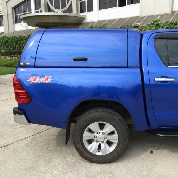 toyota hilux 2016 canopy from side