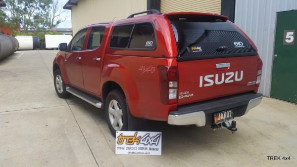 Isuzu D max EKO canopy in 546 Venitian Red close up