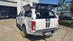 open-canopy-doors-on-isuzu-d-max-mk-4-2012