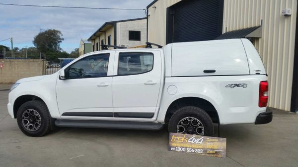 Holden Colorado RG 2012 left side view