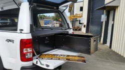 Holden Colorado RG 2012 with open drawer 400mm