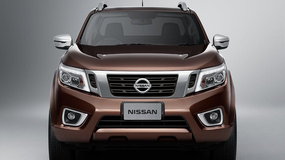 Nissan Navara 2015 NP300 Frontier  brown
