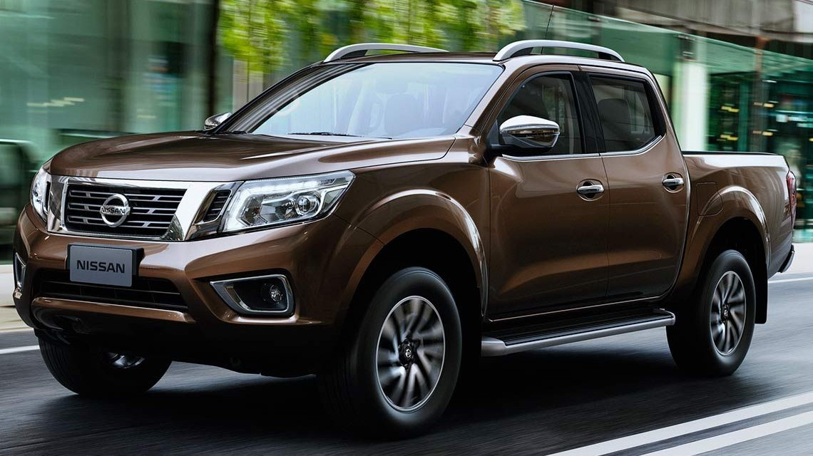 Nissan Navara 2015 NP300 Frontier in the city
