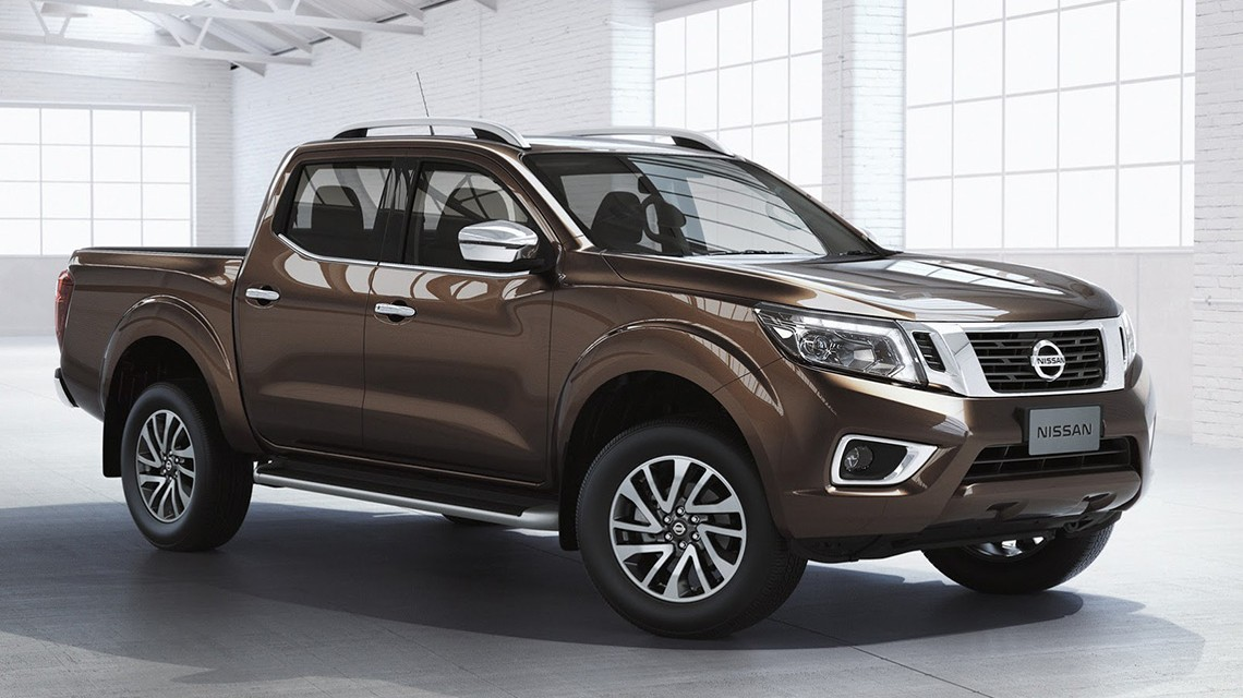 Nissan-Navara-2015-NP300-in-warehouse
