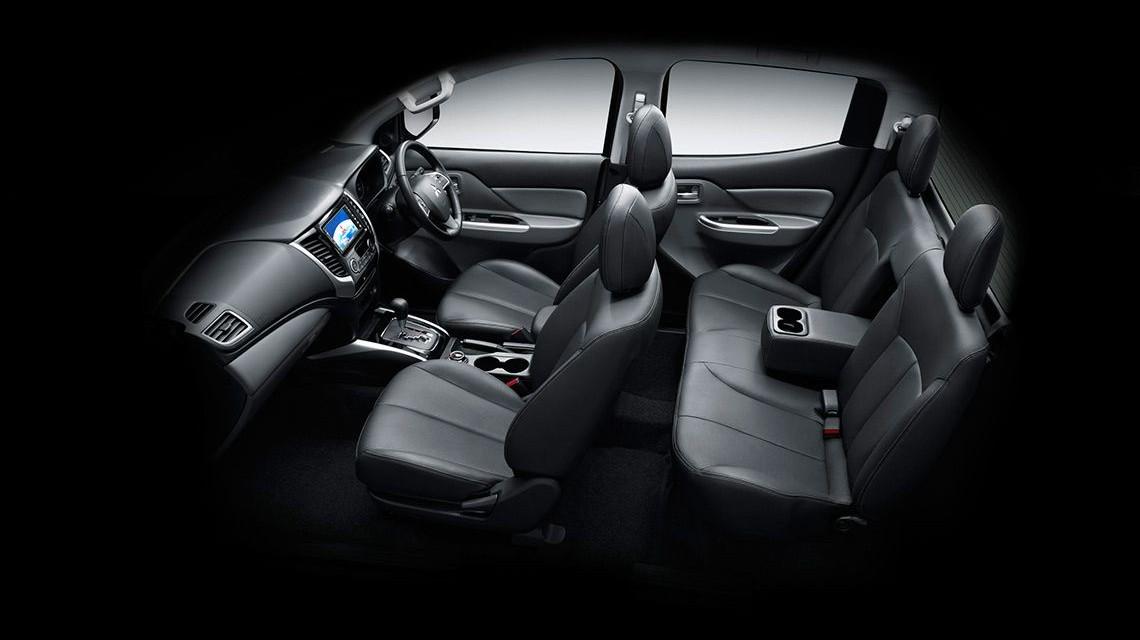 Triton 2015 2.4L Mivec VG-Turbo seats