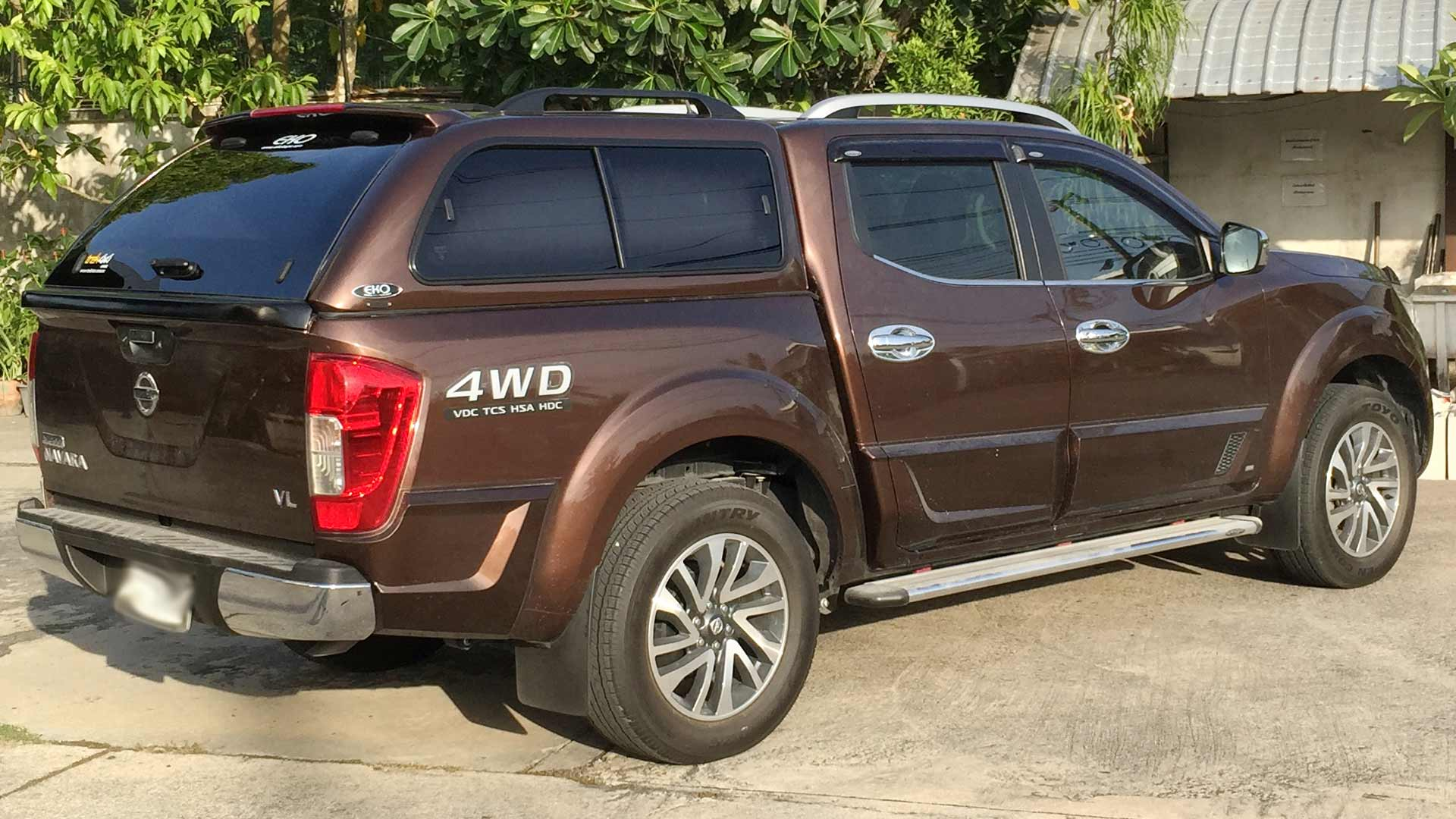 nissan navara np300 2015 dual cab canopy. Black Bedroom Furniture Sets. Home Design Ideas