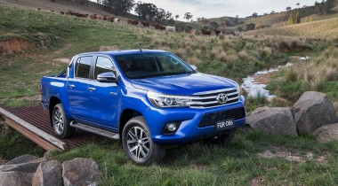 Toyota hilux MK9 2016 outdoor driving