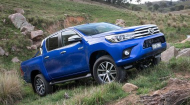 Toyota hilux MK9 2016 outdoors