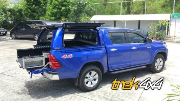 Hilux-Revo with Easy slide drawers