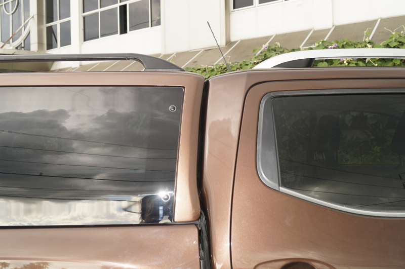 Nissan-navara-2015-model-brown.jpg